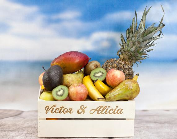 Caja de frutas caribe con mango y aguacate